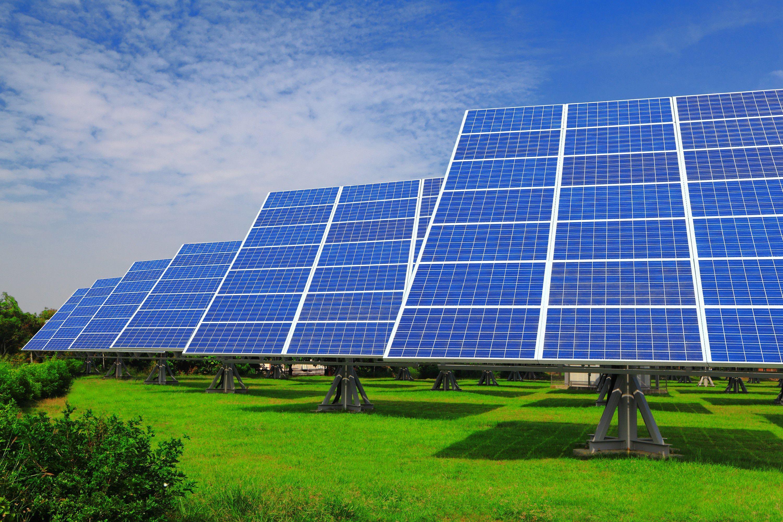 مشروع توريد وتركيب أنظمة وأجهزة الطاقة الشمسية باستثمار 300 ألف دولار
