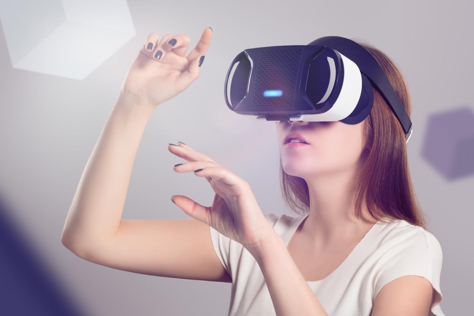 دراسة جدوى مشروع صالة العالم الافتراضي باستثمار 5,5 مليون دولار