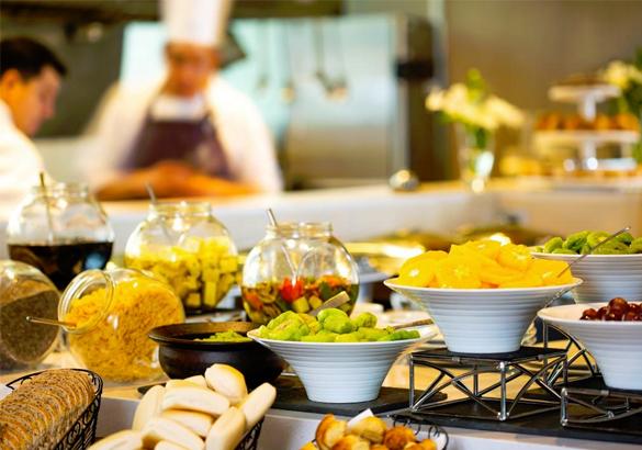 دراسة جدوى مشروع مطعم بوفيه لتجهيز الافراح والمناسبات باستثمار 255 ألف دولار .