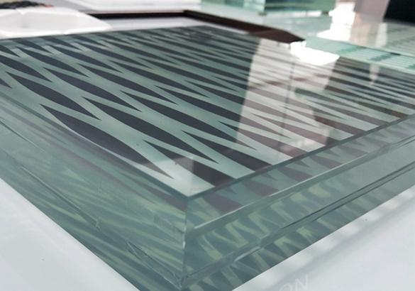 دراسة جدوى مشروع مصنع الزجاج باستثمار 3,7 مليون دولار.